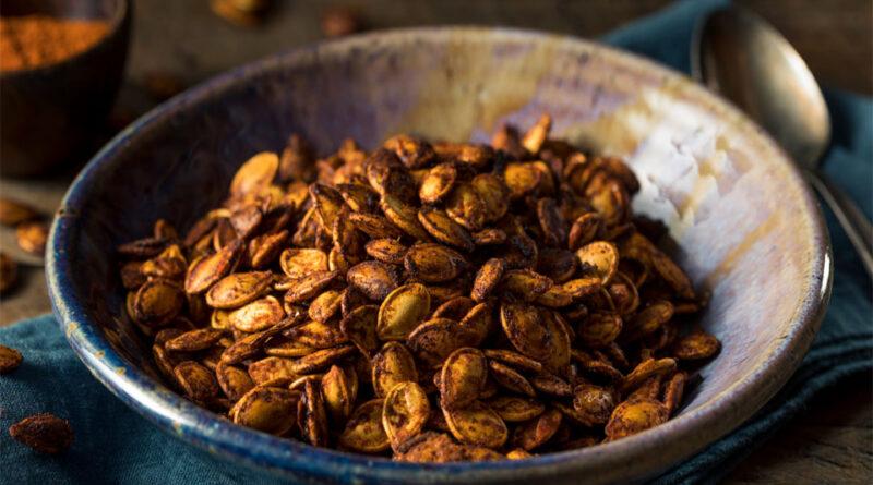 Toasted pumpkin seed snack